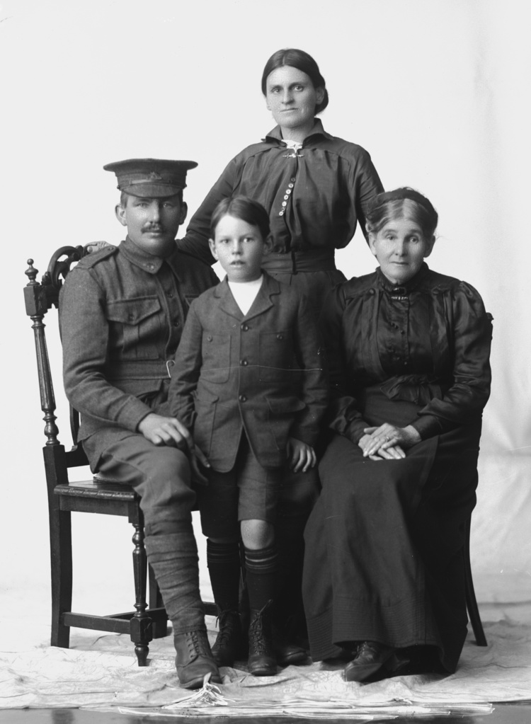 Sidney George Curtis and Family
