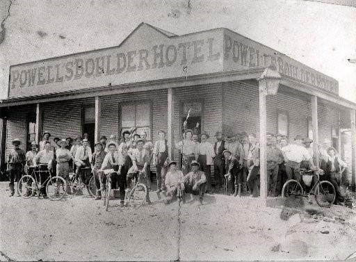 A Spacious Inn – The Boulder Block