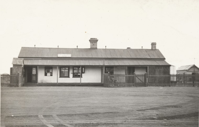 Yalgoo : a book review and photographs ~ Outback Family History